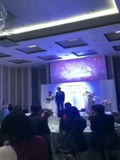 姐夫门1--新郎在大屏幕上播放新娘和姐夫的床战大戏