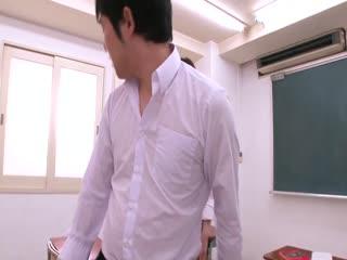 MIDD-776爆乳女教師の勝手に誘惑ノーブラ授業菅野さゆき