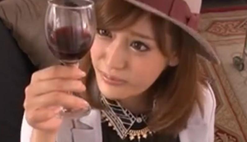 [日本] 用54种方法玩她一遍!AV女神明日花与你床战12小时!看她身体这么投入...只怕你来不及硬