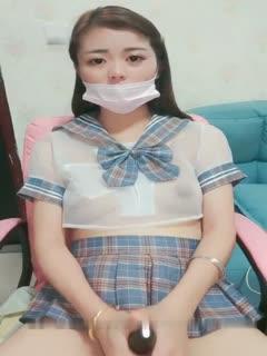 漂亮美女主播陈小蜜1027自慰大秀穿着制服激情自慰十分诱人