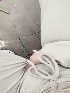 粉嫩系大学生美女课余(网课)捞外快重庆植物园内搭讪工作人员到路边车震啪啪啪
