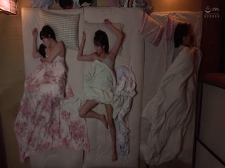 DOCP-206妻の連れ子の美人姉妹と川の字で寝るこ