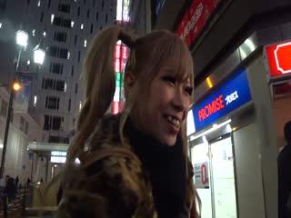 30MIUM-560クレープ屋店員さきちゃん20歳カンバン娘010
