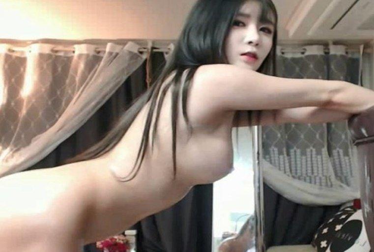 女神级主播自慰大秀~白皙身材美乳诱惑