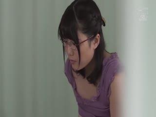 JUFE-159夜●い妻献身的に夫の看病をする清楚な人妻が隣に入院してきた男と交わるまで…佐知子