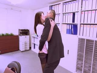 HBAD-391愛人は女子社員不倫が奥様に見つかり社内で制裁