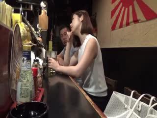 RSE-029居酒屋で一人飲みする熟熟さんは、盛りのついた牝猫状態で、相手は客でも店の主
