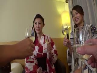 20GANA-2134花火大会ナンパ08花火大会帰りの浴衣お姉様2人組をGET